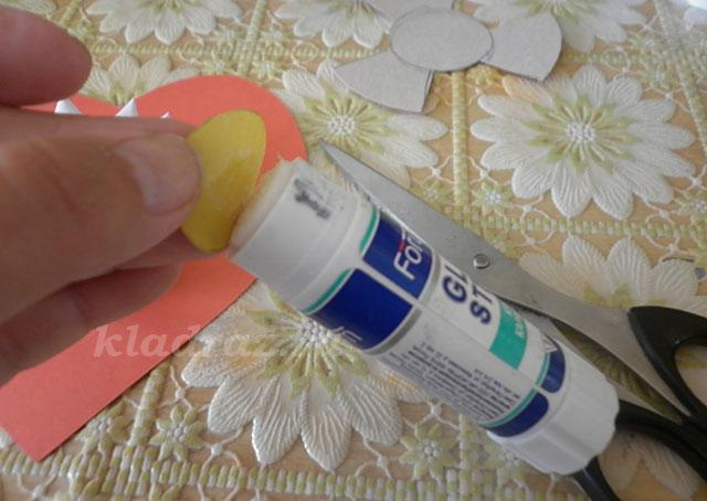 Цветок из белой бумаги своими руками