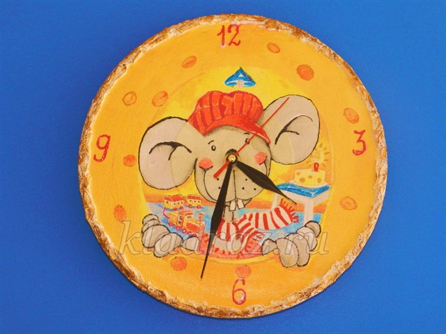 Часы из пластинки в технике декупаж. Мастер-класс