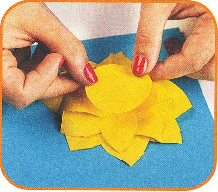 Как своими руками сделать подсолнух из бумаги своими руками поэтапно фото