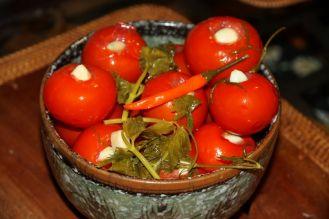 помидоры фаршированные перцем на зиму