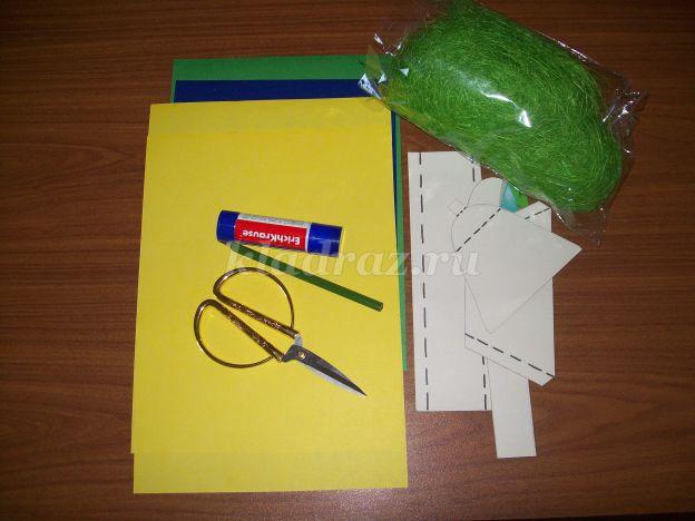 Гиацинт из цветной бумаги своими