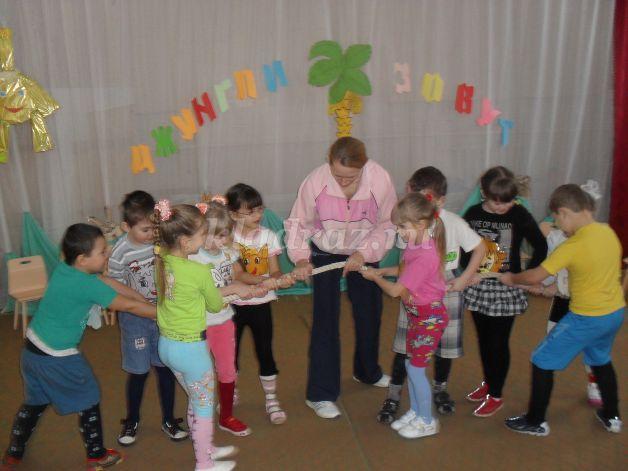 Сценарии осенних праздников в старшей группе детского сада