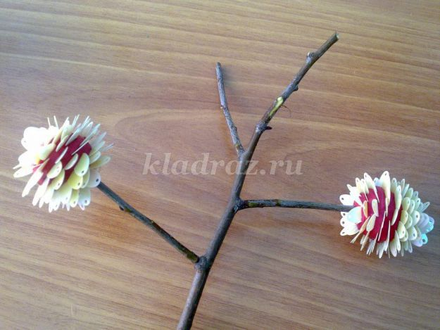 Розы из офисной бумаги своими руками для детей от 6