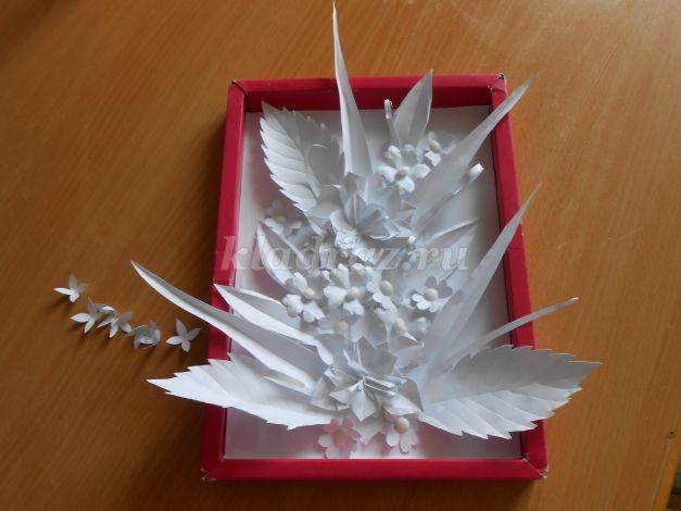 Гладиолусы из гофрированной бумаги своими руками