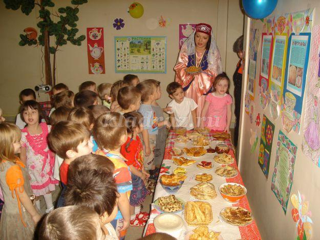 Сценарий детского праздника клоунесса