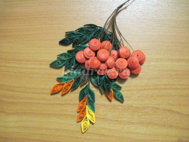 Как сделать рябины гроздь своими руками