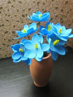 Мастер-класс с пошаговыми фото. Цветы из фоамирана. Подарок маме к 8 марта.