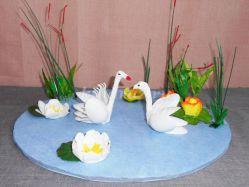 Мастер-класс. Создание объёмной композиции из пластиковых ложек и вилок «Лебеди на озере»