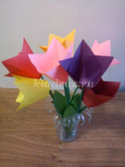 Мастер-класс по изготовлению поделки из бумаги своими руками «Тюльпаны»