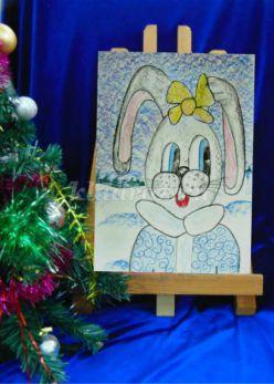 Подарок для мамы Зайка цветными карандашами и восковыми мелками
