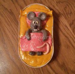 Мастер-класс с пошаговым фото «Мышка по имени Плюша» в технике лепка из солёного теста