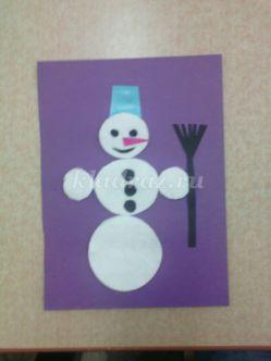 Аппликация из ватных дисков для детей 2-3 лет «Снеговик». Мастер – класс с пошаговым фото