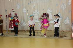 Сценарий новогоднего праздника для детей подготовительной группы «Путешествие по дальним странам в поисках Снегурочки»