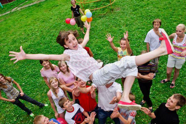 игры на знакомство в летнем лагере для школьников
