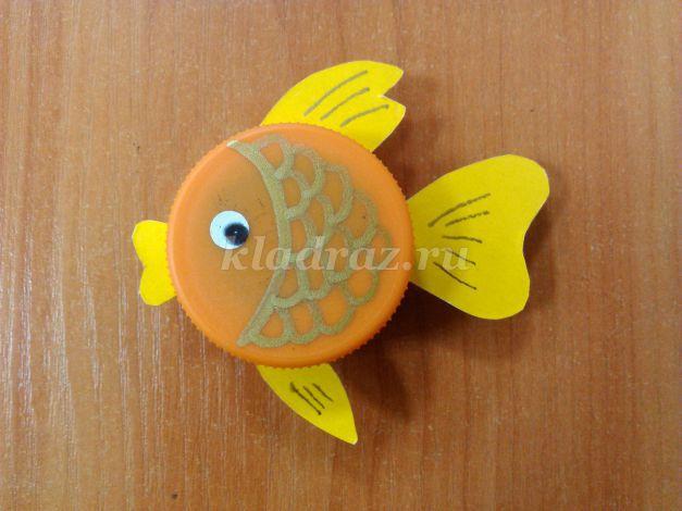 Рыбка своими руками из бросового материала